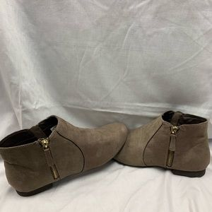 American Eagle women's boots